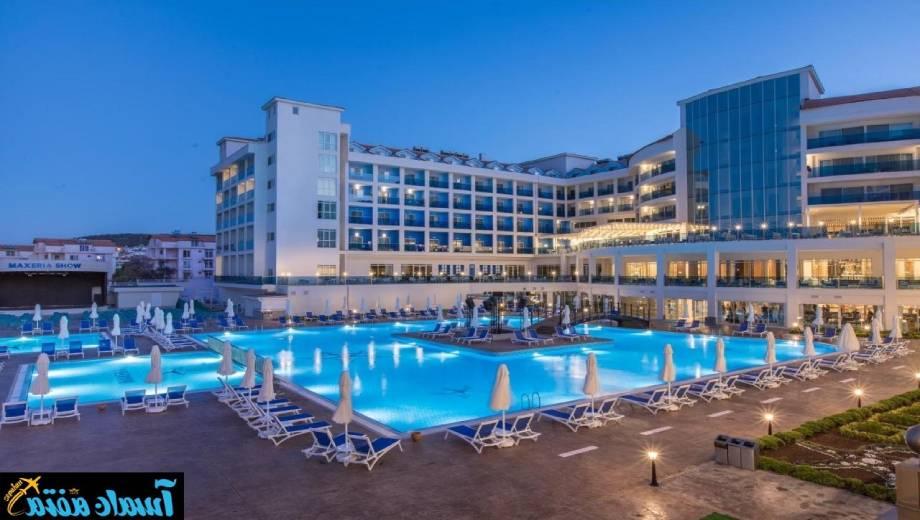 تور اصفهان به دیدیم هتل مکثریا بلو
